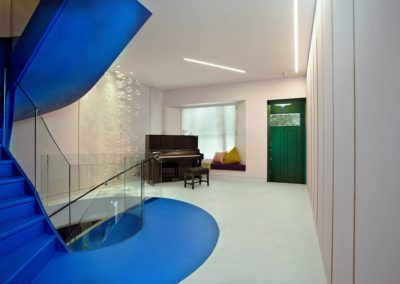 Regency finishes Metrostone floors, Metroresin staircase and Senso walls at a Notting Hill Townhouse
